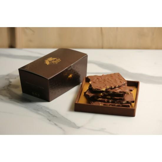 Sütlü Antep Fıstıklı Beyoğlu Kırma Çikolata Kahverengi Konik Kutu